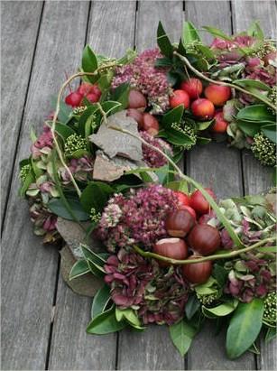 Herfstkrans knutselen met materialen uit de tuin
