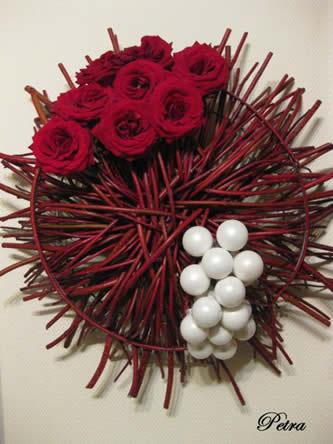 leren bloemschikken: bloemstukjes maken voor kerst