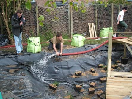 Vijver vullen: leidingwater voor vijveropstart