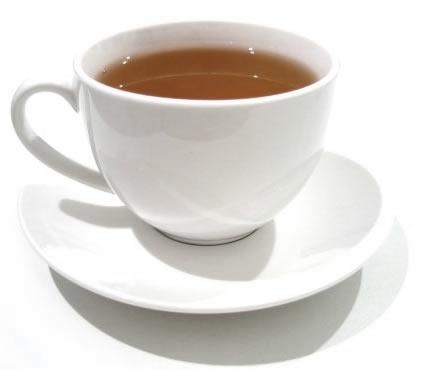 Kopje pijnstillende thee van wilgen