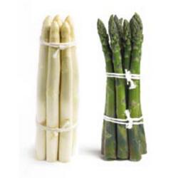 asperges klaar maken in de keuken