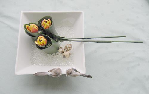bloemstuk maken met tulpen en gelparels