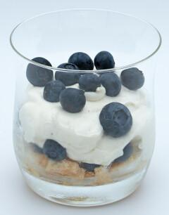Mascarponecrème met blauwe bessen