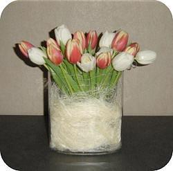 Tulpen Op Vaas.Tulpen Schikken In Een Vaas En Tips Om Tulpen Langer Fris Te