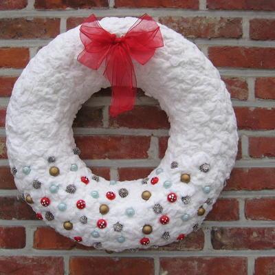 Kerstkrans met wattenschijfjes