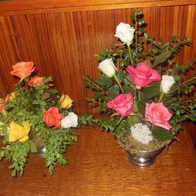 2 bloemstukjes met rozen