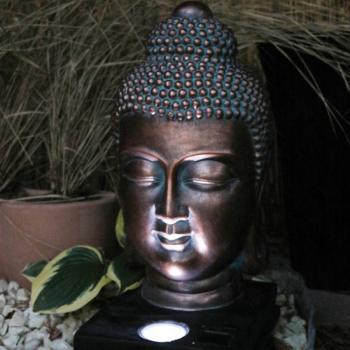 Boeddha Met Led Verlichting.Boeddha Hoofd Met Ledspot Op Zonne Energie