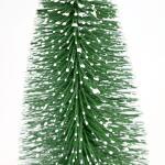 Dennenboom besneeuwd groen - 25 cm