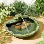 Fontein met kikker in keramiek op zonne-energie - groen