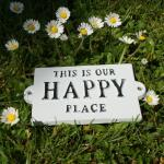 Muurplaat: This is our happy place
