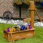 Plantenbak met waterpomp in hout